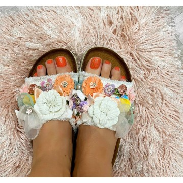 Delores Floral Chunky Sliders - WHITE