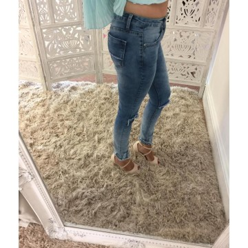 Ripped Knee Skinny Jeans with frayed hem