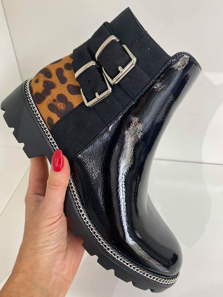 Leopard Back Buckle Chelsea Boots