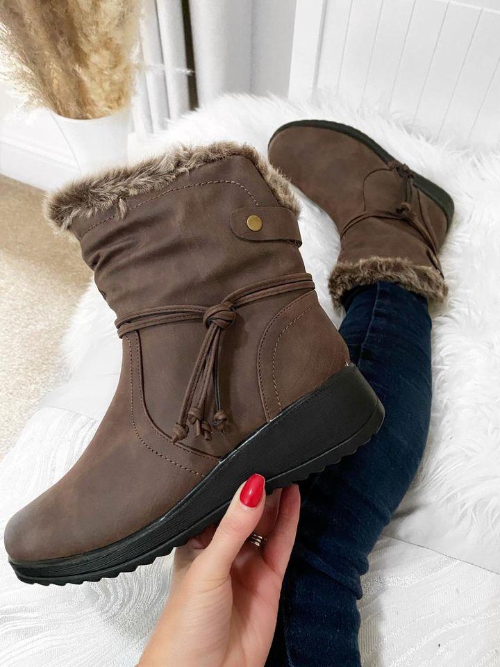 AMARETTI Comfort Boots - BROWN