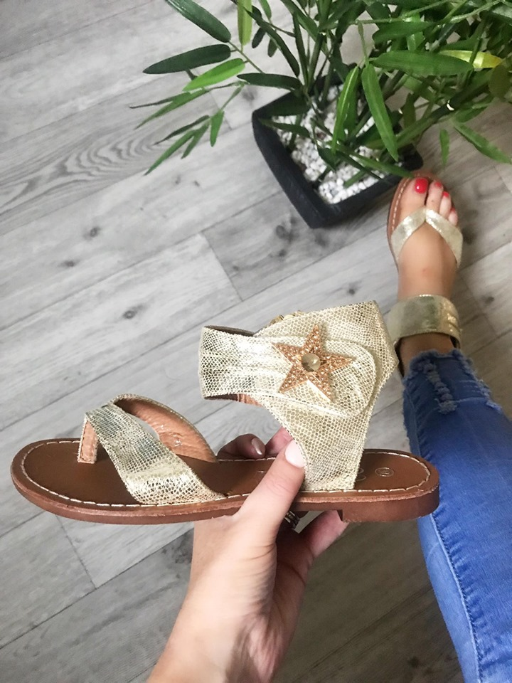 Gold Toe Thongs with Star Diamanté - Leather Sole
